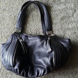 B makowsky black leather purse